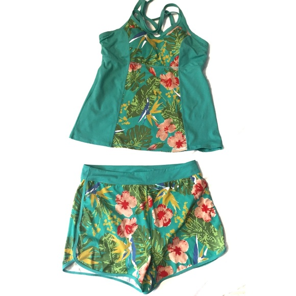 D & Co. Other - D & Co. Floral Two-Piece Tankini Shorts Swimsuit